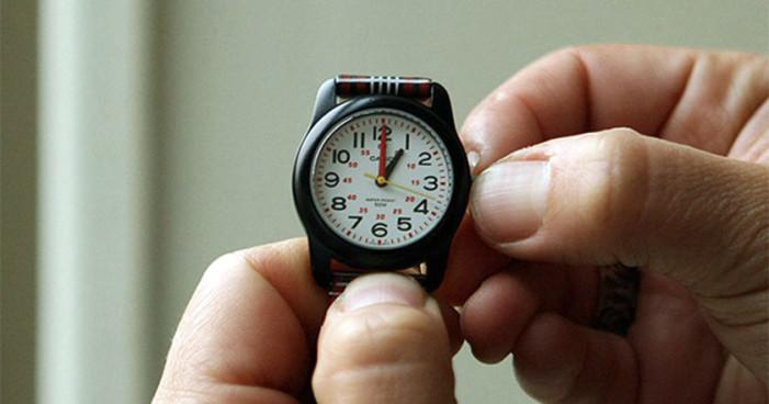 Cambio de horario aumenta ataques cardíacos y problemas de sueño: estudios