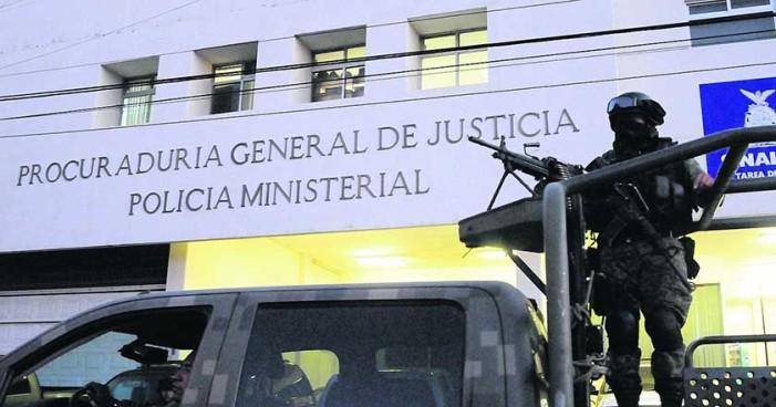 Ejército de Culiacán sitia estación de Policía Ministerial