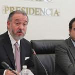 Nuevo procurador Raúl Cervantes no sabe decir 'Ayotzinapa' (Video)