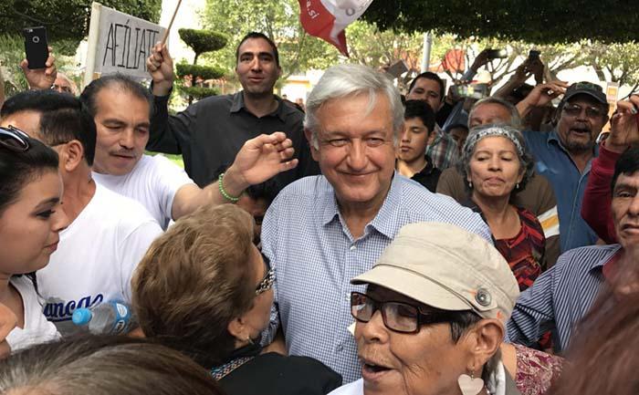 Si quitan pensiones a los adultos mayores, Morena se movilizará: AMLO
