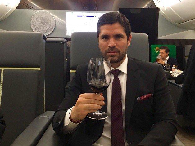Peña Nieto se lleva a amigos y familiares a giras internacionales