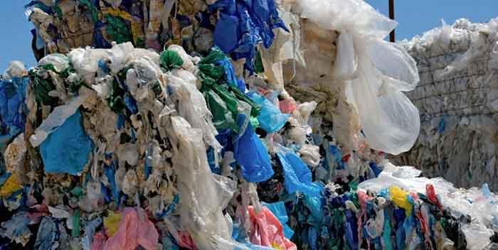 En Reino Unido cae uso de bolsas plástico frente a las reutilizables