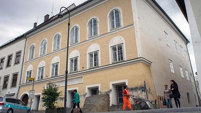 Austria demolerá casa donde nació Adolfo Hitler
