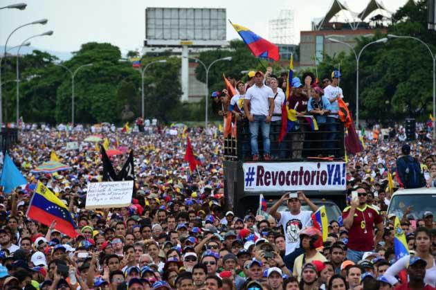 """Declarana Nicolás Maduro en """"abandono del cargo"""""""