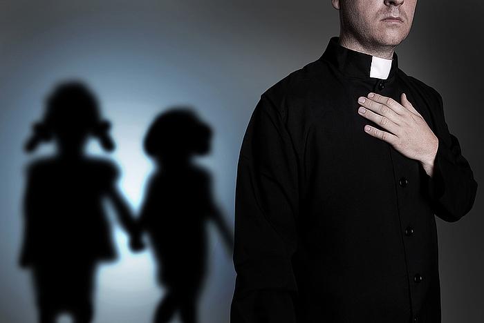 """Padre denuncia que su hijo """"se tiró al vicio"""" tras abuso sexual cometido por un cura"""