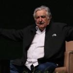 Mujica en México, exhorta a los jóvenes a participar en las luchas sociales y políticas