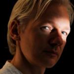 Assange explica por qué publicó la información de campaña de Clinton