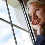 Le esperan a Julian Assange tres días de interrogatorios