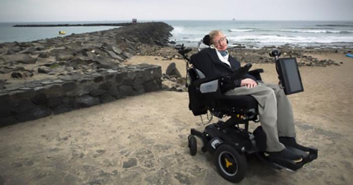Stephen Hawking alerta a la humanidad de un nuevo riesgo: la obesidad