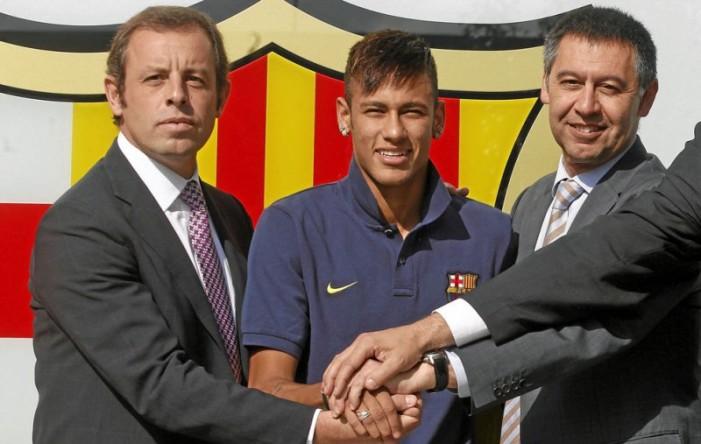 Neymar irá a juicio por estafa y corrupción