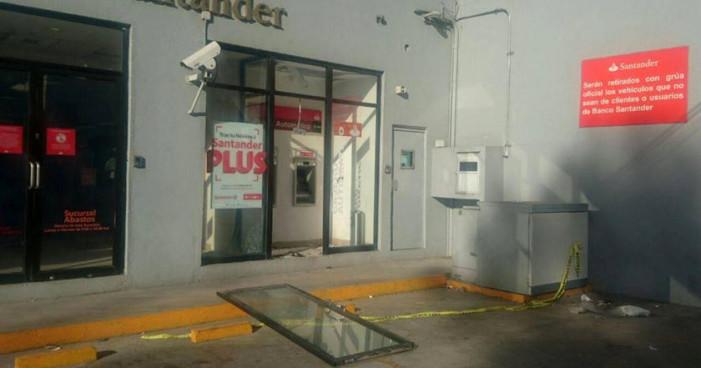 Atacan en Oaxaca oficinas de Prodecon y de Santander