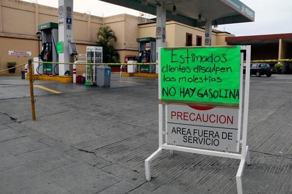 En al menos 15 estados del país reportan desabasto de gasolina