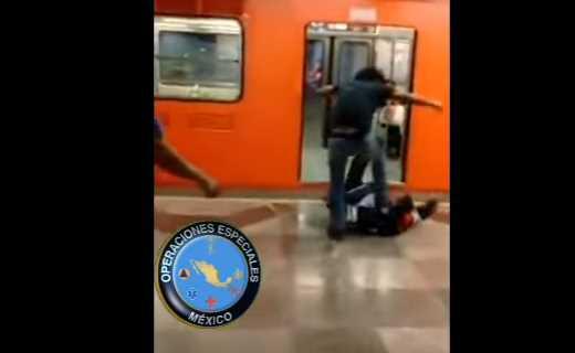 Golpean a policía en el Metro Tepito (VIDEO)