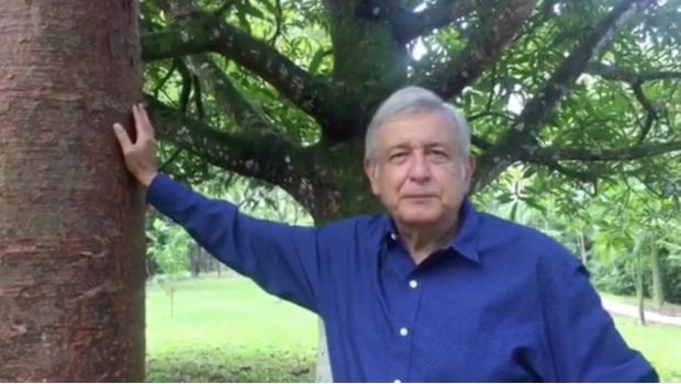 'Hipocresía del PAN, ellos apoyaron reforma energética de Peña': AMLO