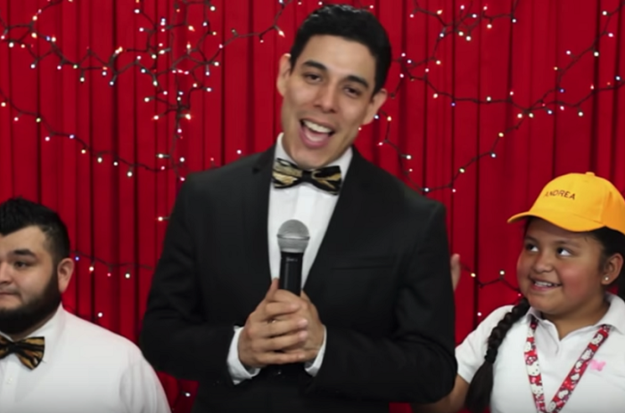 Corregidora Andrea reaparece en musical de internet (VIDEO)
