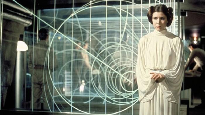 Actriz que dio vida a la Princesa Leia de Star Wars, sufrió ataque cardiaco en plena vuelo