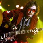 Hospitalizan al rockero argentino Charly García