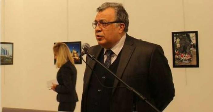 Muere embajador ruso en Turquía tras atentado