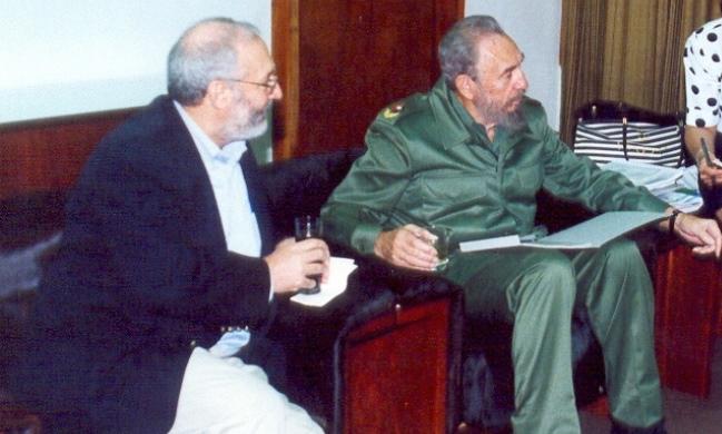 Nobel de economía elogia logros en salud y educación en Cuba