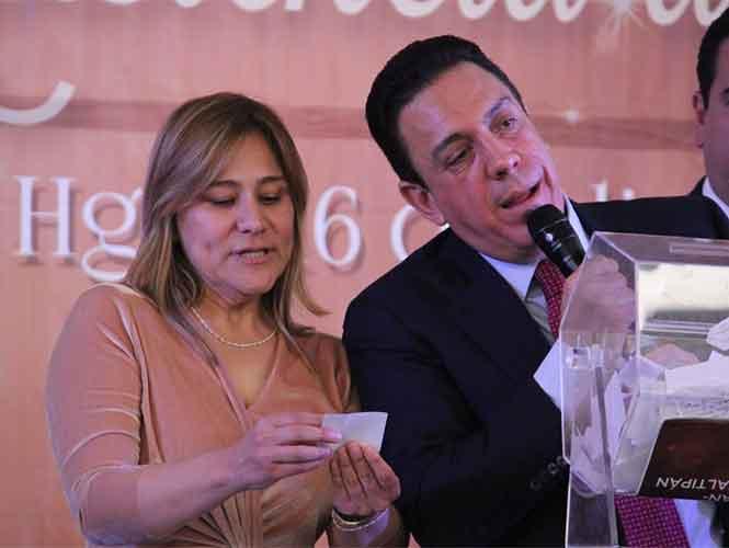 Rifan en Hidalgo cenas románticas con funcionarios, ganadores las desprecian