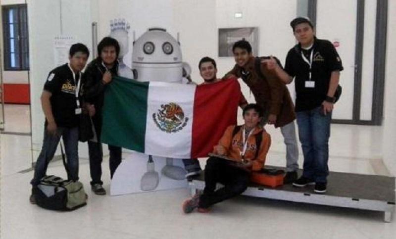 roboticos alumnos del IPN drones