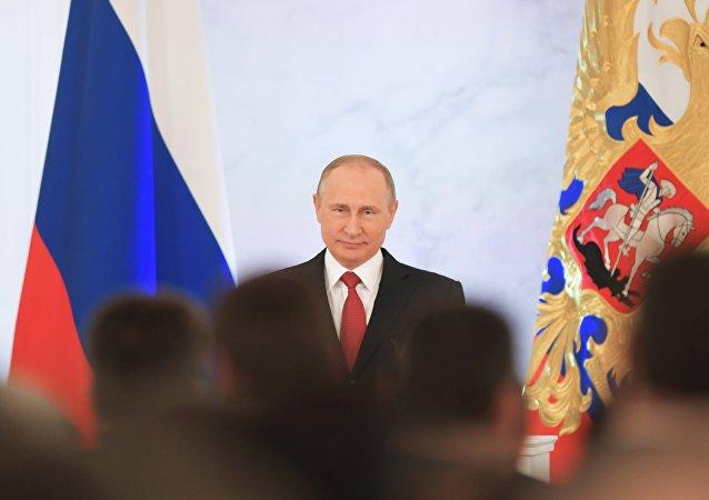 EU dice que sanciona a Rusia para mejorar relación, Putin indica que se acaba su paciencia