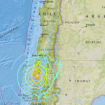 Chile sufre sismo, alertan posibilidad de tsunami