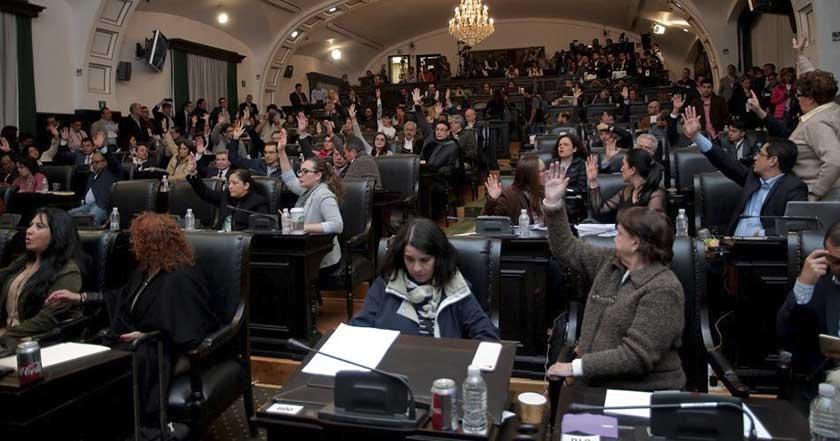 Firman la Constitución de la Ciudad de México asamblea constituyente