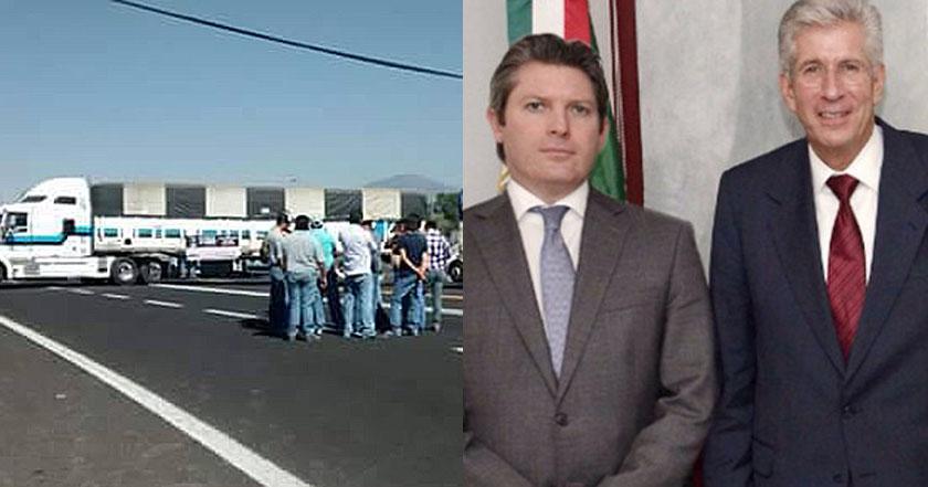 El director general de Autotransporte Federal de la Secretaría de Comunicaciones y Transportes, Adrián del Mazo (izquierda), y el Secretario de Transportes, Gerardo Ruiz Esparza (derecha).