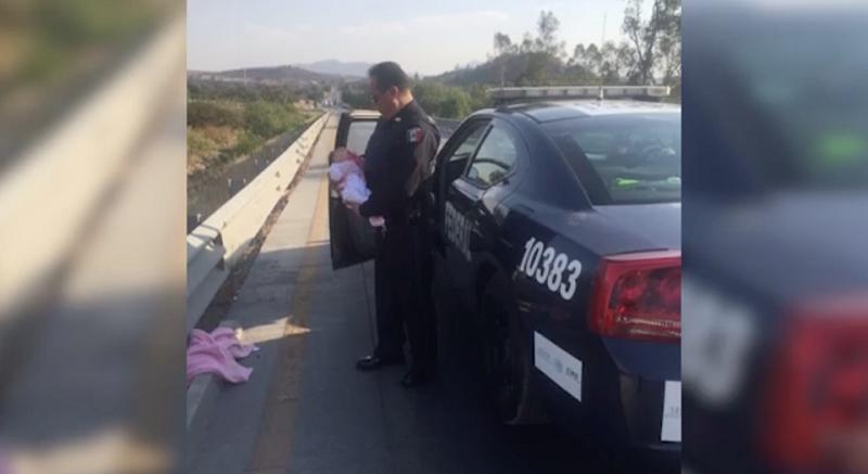 bebé y policía