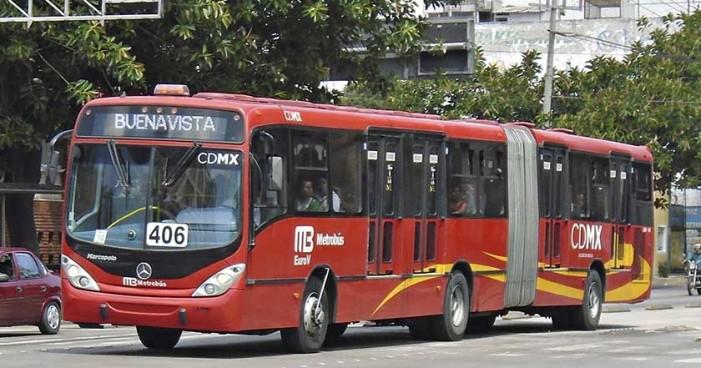 Detienen a dos mujeres de la tercera edad por asaltar con picahielos en Metrobús Chilpancingo