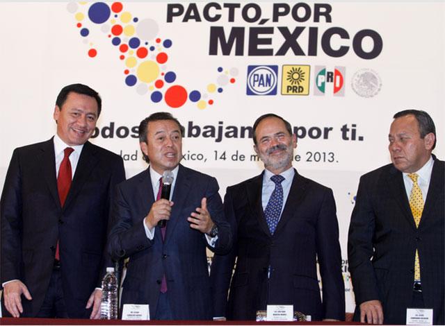 Morena confía en que mexicanos castiguen al PRI, PAN y PRD por gasolinazo