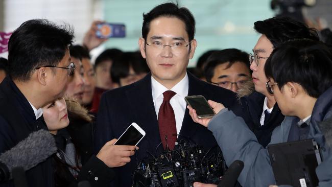 El heredero de Samsung, interrogado por escándalo de corrupción
