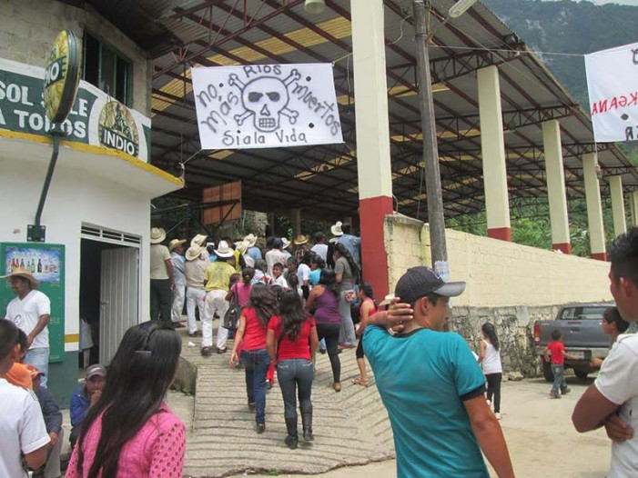 Con paramilitares, gobierno quieren desarticular defensa de Sierra Norte