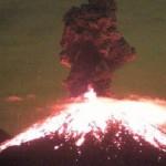 Se registra erupción del Volcán de Colima pasada la media noche