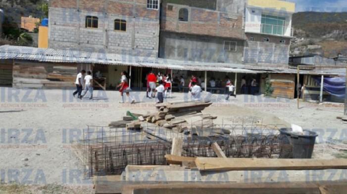 Migrantes de Guerrero en EU construyeron aula que el gobierno no pudo