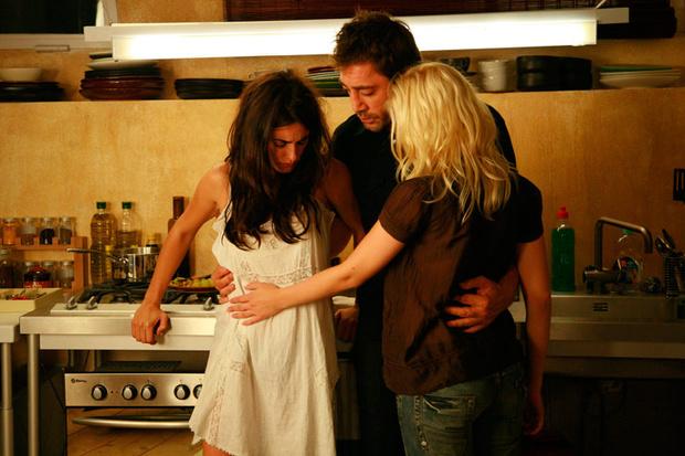 """""""No somos monógamos; podemos enamorarnos de tres personas a la vez"""": investigador"""