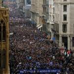 Mega marcha en Barcelona a favor de acogida de refugiados