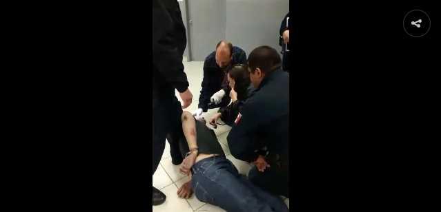 Policías asesinan a automovilista en sometimiento