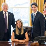 Ivanka Trump causa indignación por posar en silla presidencial