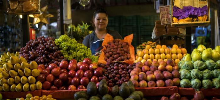 Alza de 10% en canasta básica, ya se 'comío' el aumento de 8 pesos en el salario mínimo