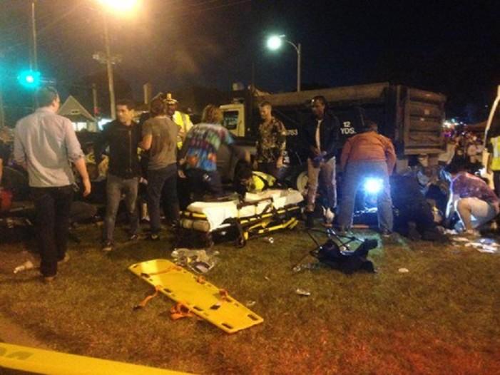 Atropello masivo en desfile Nueva Orleans deja por lo menos 28 heridos