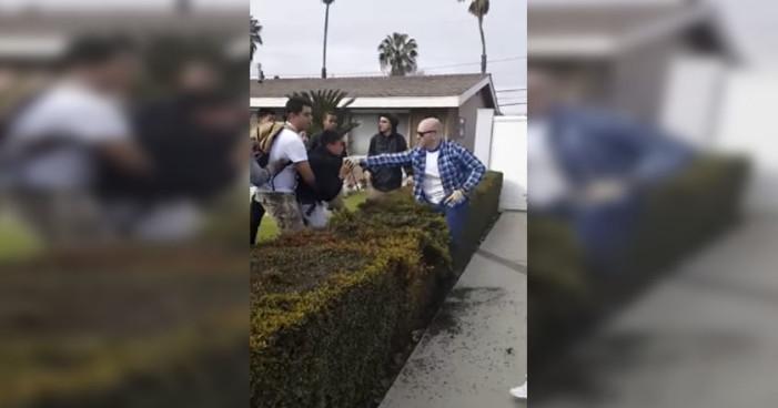 Policía de Los Ángeles forcejea contra joven hispano y dispara (Video)