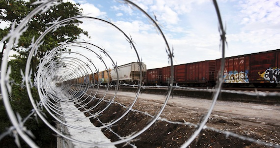 Grupo México construyó un muro contra migrantes en Veracruz