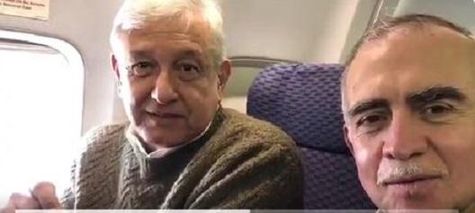 AMLO viaja a Nueva York, llama a firmar denuncia en defensa de migrantes