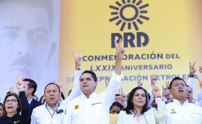 Silvano Aureoles no descarta alianza con el PAN ni con el PRI  rumbo a 2018