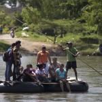Migra mexicana busca contener a los migrantes centroamericanos en su frontera sur