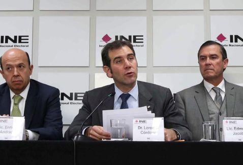 Mexicanos en el extranjero no podrán votar en 2018 vía internet: INE