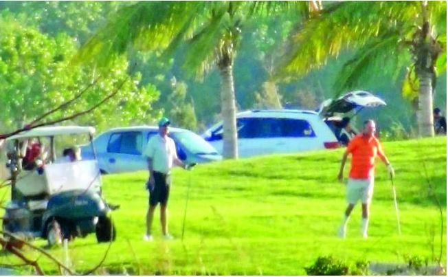 Corral juega golf mientras matan periodistas y violencia se dispara en Chihuahua