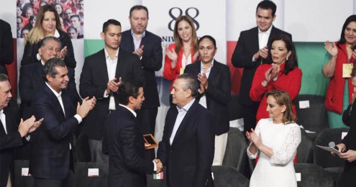 Peña Nieto: Morena es un 'peligro para México'